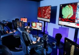 Virtual reality system helps surgeons, reassures patients